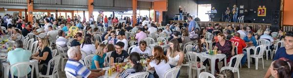 Almoço do Fundo Social reúne  mais de mil pessoas em Rio Claro.
