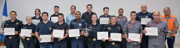 Curso em RC para operação de  drones forma alunos da região.