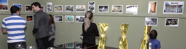 Exposição de concurso fotográfico.