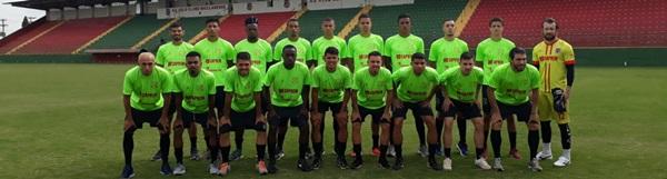 Velo Clube apresenta elenco e comissão técnica.
