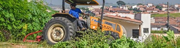 Proprietários têm até dia 22 para limparem terrenos baldios.