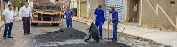 Prefeitura de Rio Claro amplia equipes de tapa-buracos.